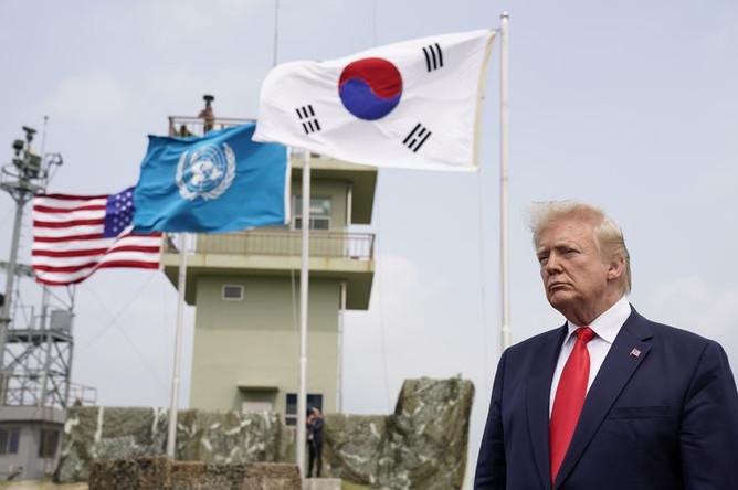 Президент США Дональд Трамп в демилитаризованной зоне (ДМЗ), 30 июня 2019 года