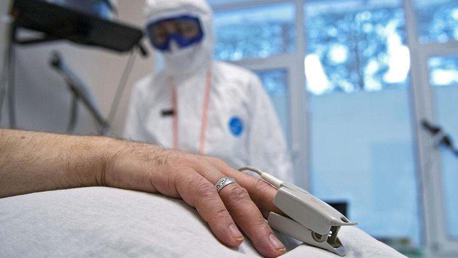 В Греции врач попал в реанимацию после вакцинации от COVID-19