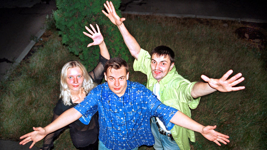 Название «Руки Вверх!» группе придумали ведущие радио «Максимум», куда музыканты отправили свою кассету. В сопроводительном письме они написали «Эта музыка заставит вас поднимать руки вверх», но официального названия у коллектива не было. До 2006 года группы состояла из Жукова и Алексея Потехина, затем остался один Жуков