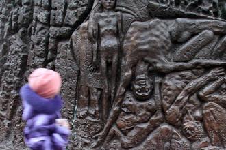 Памятник жертвам голодомора во Львове