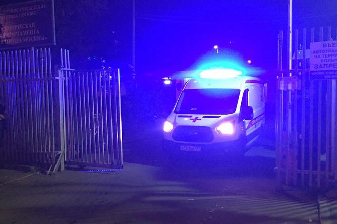 Ситуация около входа в городскую клиническую больницу №68, 21 сентября 2017 года
