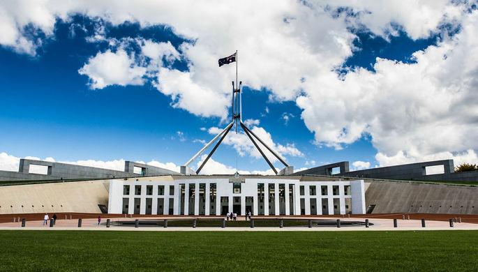 «Ужасно сложный месяц»: в Австралии не успевают расследовать секс-скандалы