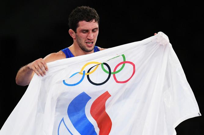 Россиянин Сидаков разгромил белоруса Кадимагомедова и стал олимпийским  чемпионом - Газета.Ru