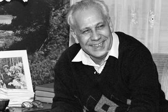 Анатолий Лукьянов у себя дома, 1993 год