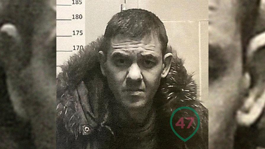 """""""Вышел через главный вход"""": в Петербурге ищут подозреваемого в убийстве"""