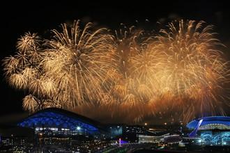 Салют во время церемонии закрытия Олимпийских игр в Сочи