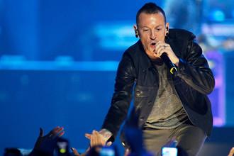 Честер Беннингтон из группы Linkin Park на музыкальном фестивале в Лас-Вегасе, 2012 год