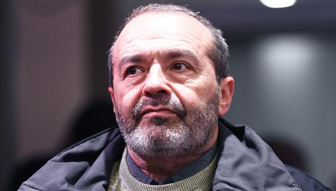 «Время революции»: звезды обратились к властям Армении и Азербайджана
