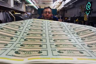 Множатся предупреждения об ужасах дефолта для экономики США и всего мира, банки запасаются наличностью