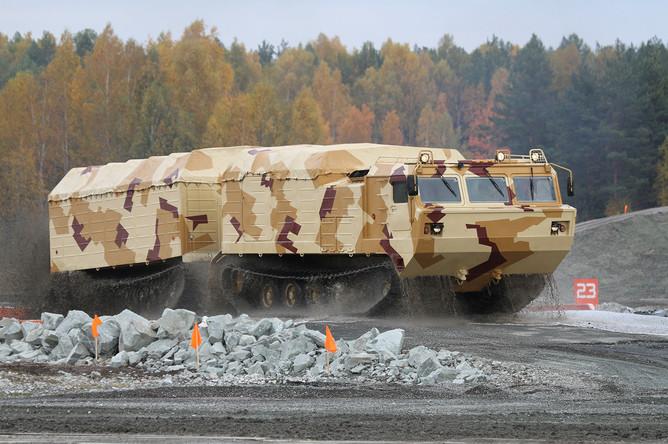 Двухзвенный гусеничный транспортер плавающий модернизированный (ДТ-30ПМ)