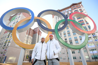 Биатлонисты Антон Бабиков и Матвей Елисеев в олимпийской деревне Каннына
