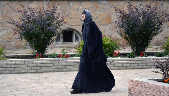 «Нездоровая атмосфера»: монахинь уводят из монастыря Сергия