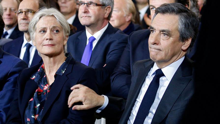 Кандидат в президенты Франции и лидер Республиканской партии Франсуа Фийон со своей женой Пенелопой
