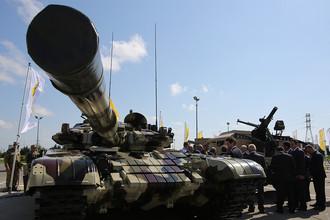 Танк Т-72 компании «Уралвагонзавод» на оборонной выставке ADEX-2016 в Баку, сентябрь 2016 года