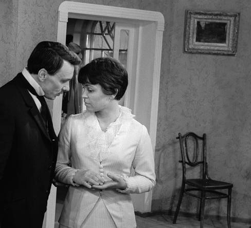 1969 год. Георгий Юматов и Кира Муратова в сцене из фильма «Опасные гастроли»