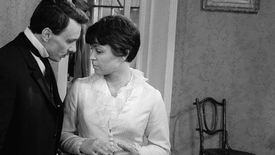 1969 год. Георгий Юматов и Кира Муратова всцене изфильма «Опасные гастроли»