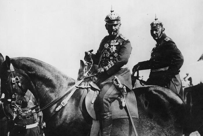 Вильгельм II во время военных маневров