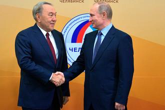 Владимир Путин и президент Казахстана Нурсултан Назарбаев во время двусторонней встречи в Челябинске, 9 ноября 2017 года