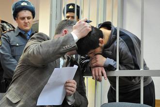 Расул Мирзаев с адвокатом Алексеем Гребенским