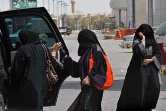Женщины Саудовской Аравии обратились к королю с просьбой разрешить им водить автомобили