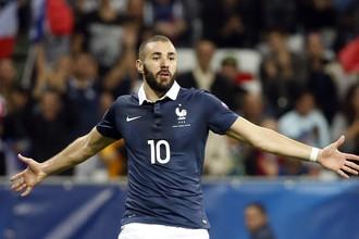 Ни Карим Бензема (на фото), ни Матье Вальбуэна не были вызваны в сборную Франции на последние товарищеские матчи после того, как разразился скандал с шантажом