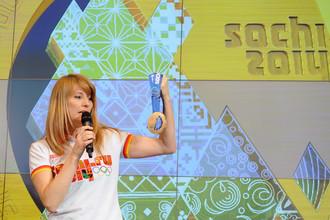 Светлана Журова представляет медали Олимпиады в Сочи