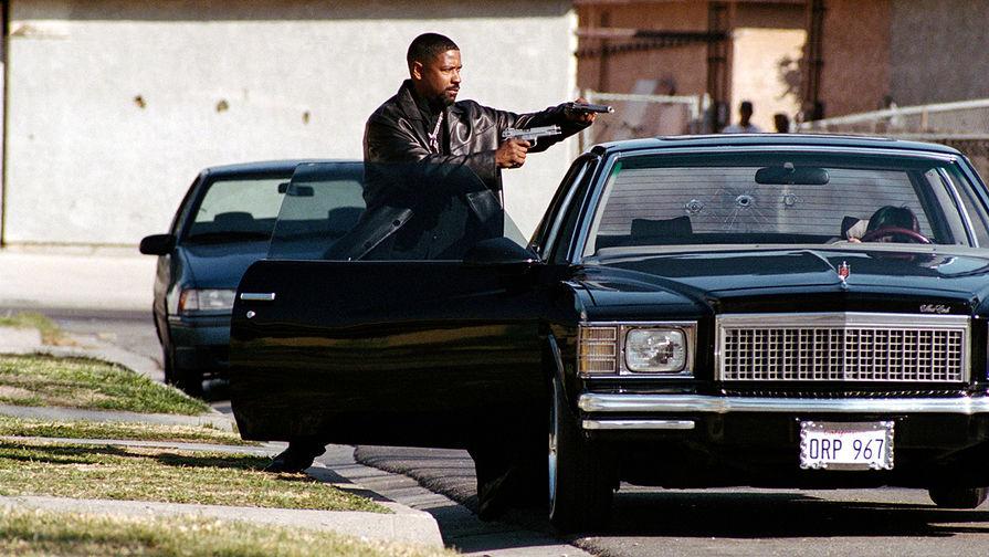 Дензел Вашингтон и 79' Chevrolet Monte Carlo в фильме «Тренировочный день» (2001)