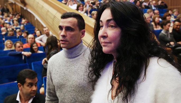 Лолита Милявская и ее супруг Дмитрий Иванов перед началом шоу Филиппа Киркорова в Кремле, 2016 год