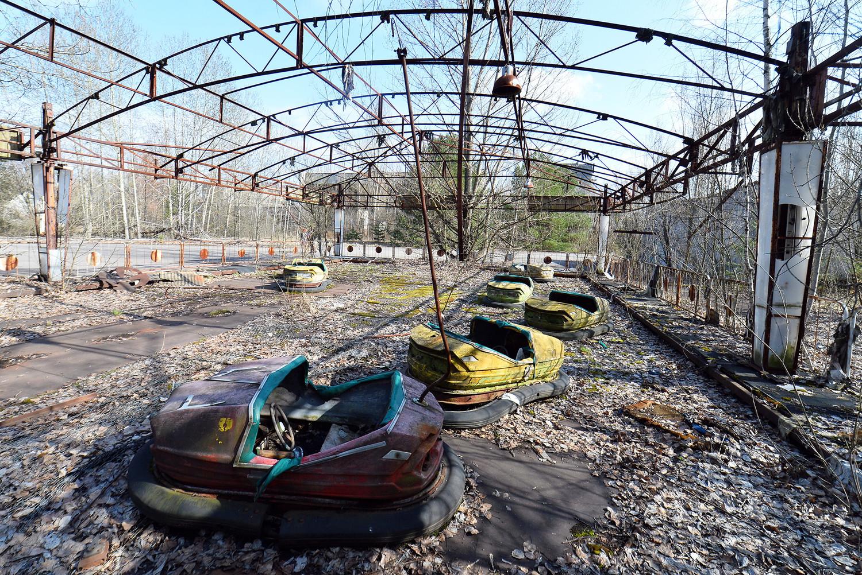 Заброшенный парк аттракционов в городе Припять в 2 км от Чернобыльской АЭС, 2016 год