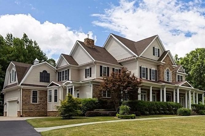Дом в городе Стаффорд в штате Виргиния, который приобрел Олег Смоленков