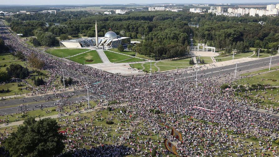 Участники акции протеста в Минске, 30 августа 2020 года