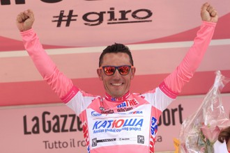 Хоаким Родригес впервые надел розовую майку лидера «Джиро д'Италия»