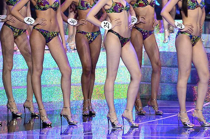 Финалистки национального конкурса «Мисс Россия — 2015» на сцене концертного зала Barvikha Concert Hall