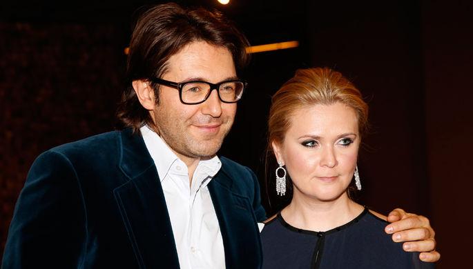 Андрей Малахов с супругой Натальей Шкулевой. Пара в браке с 2011 года. Воспитывают сына Александра (род. 16 ноября 2017)