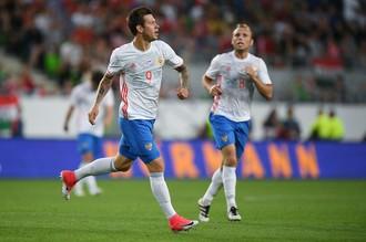 Федор Смолов (№9) сразу после гола в ворота Венгрии