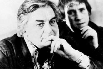 Юрий Любимов и Владимир Высоцкий во время пресс-конференции в Deutsches Theater, Берлин, ГДР, 13 февраля 1978 год