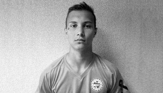 «Мгновенная смерть»: 18-летний футболист скончался во время матча