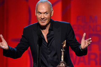 Майкл Китон с наградой на кинопремии «Независимый дух», 2015 год