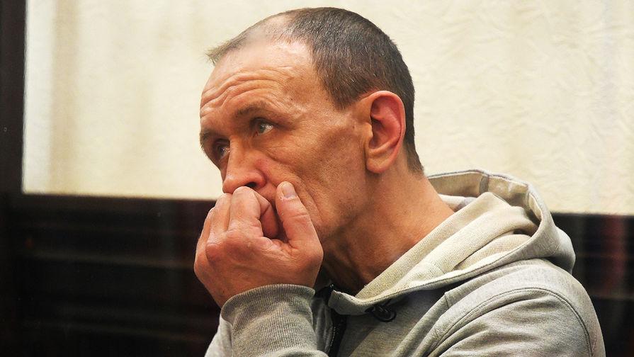 Командир пожарного звена Сергей Генин в Центральном районном суде Кемерово, апрель 2018 года
