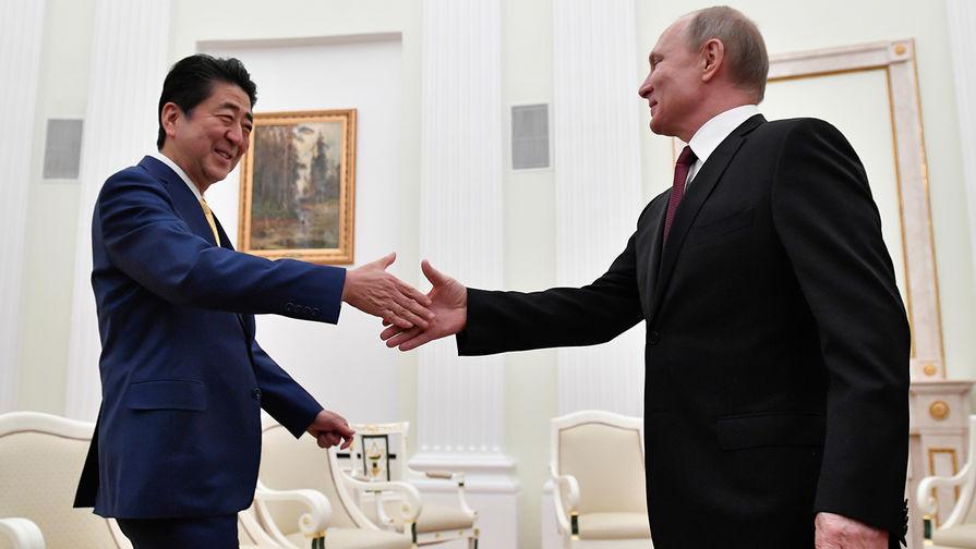 «Не сможем говорить откровенно»: Абэ объяснил «секретность» переговоров с Путиным