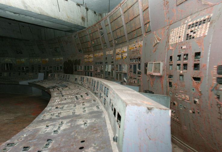 Пульт управления четвертым энергоблоком на Чернобыльской АЭС, 2016 год
