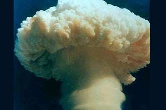 Ядерное испытание № 6 – атмосферный подрыв термоядерной бомбы, сброшенной с самолета. Китай, 17 июня 1967 года