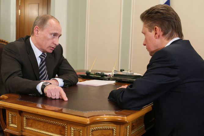 Глава правительства России Владимир Путин во время встречи с главой «Газпрома» Алексеем Миллером, 5 января 2009 года
