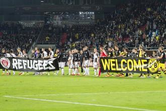 «Боруссия» Дортмунд приветствует беженцев