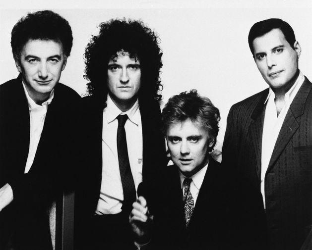 Участники группы Queen (слева направо) Джон Дикон, Брайан Мэй, Роджер Тэйлор и Фредди Меркьюри, 1989 год