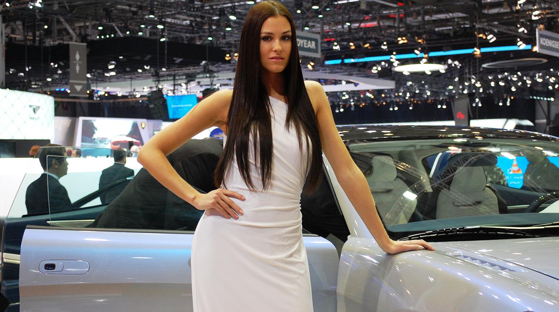 Девушки автосалон в москве 2020 альт авто автосалон москва отзывы