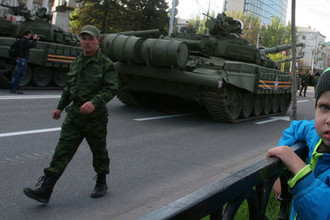 Репетиция парада Победы в Донецке, 2015 год