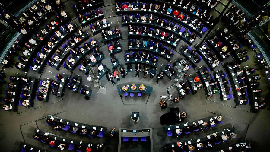 Бундестаг осудил решение США сохранить санкции в период пандемии