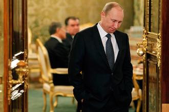 Российская экономика не хочет выходить на устойчивый рост, показатели скачут, признал Владимир Путин
