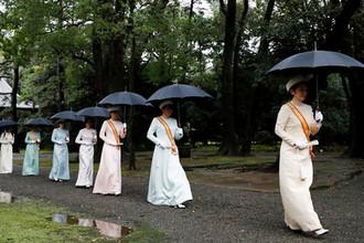 Японская принцесса Кико и другие члены королевской семьи перед интронизацией императора Нарухито в Токио, 22 октября 2019 года